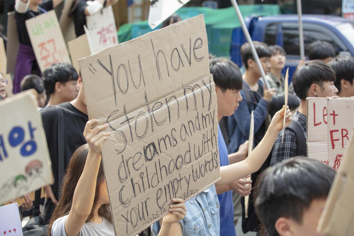 -environmental-movement-greenpeace-international-3.jpg