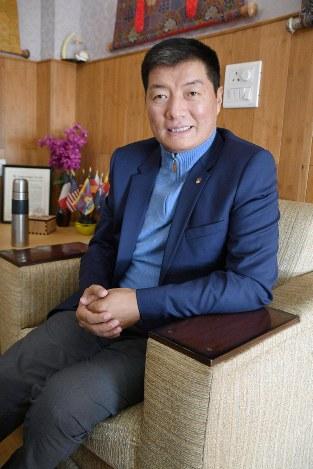 i-lama-successor-tibetan-exile-leader-the-mainichi.jpg